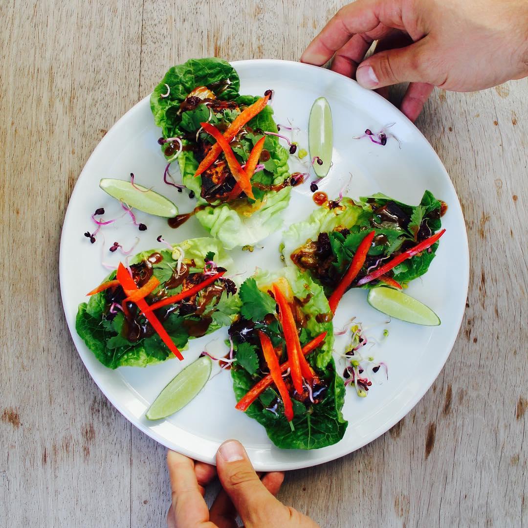 Detox Taco 4 Salatblätter + Miso + Tofu + Rote Bete