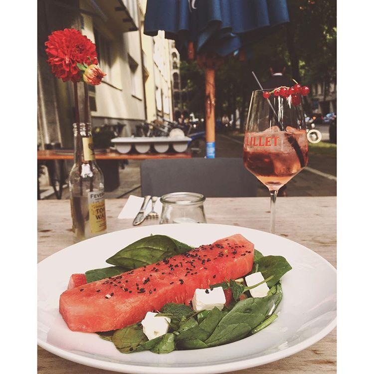 Wassermelonensalat Wassermelone + Feta + Minze + Wallnuss