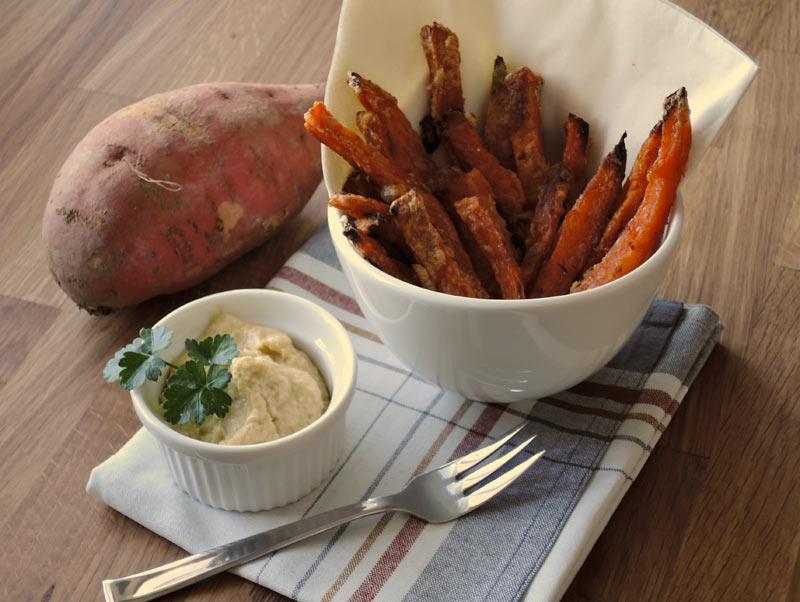 Süßkartoffel Fries mit Sour Cream
