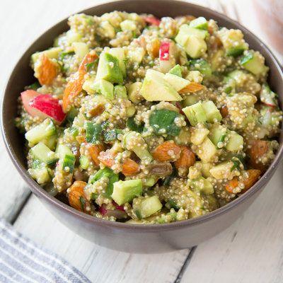 Haussalat Gem. Salat + Guacamole + Orangen-Mohn-Dressing
