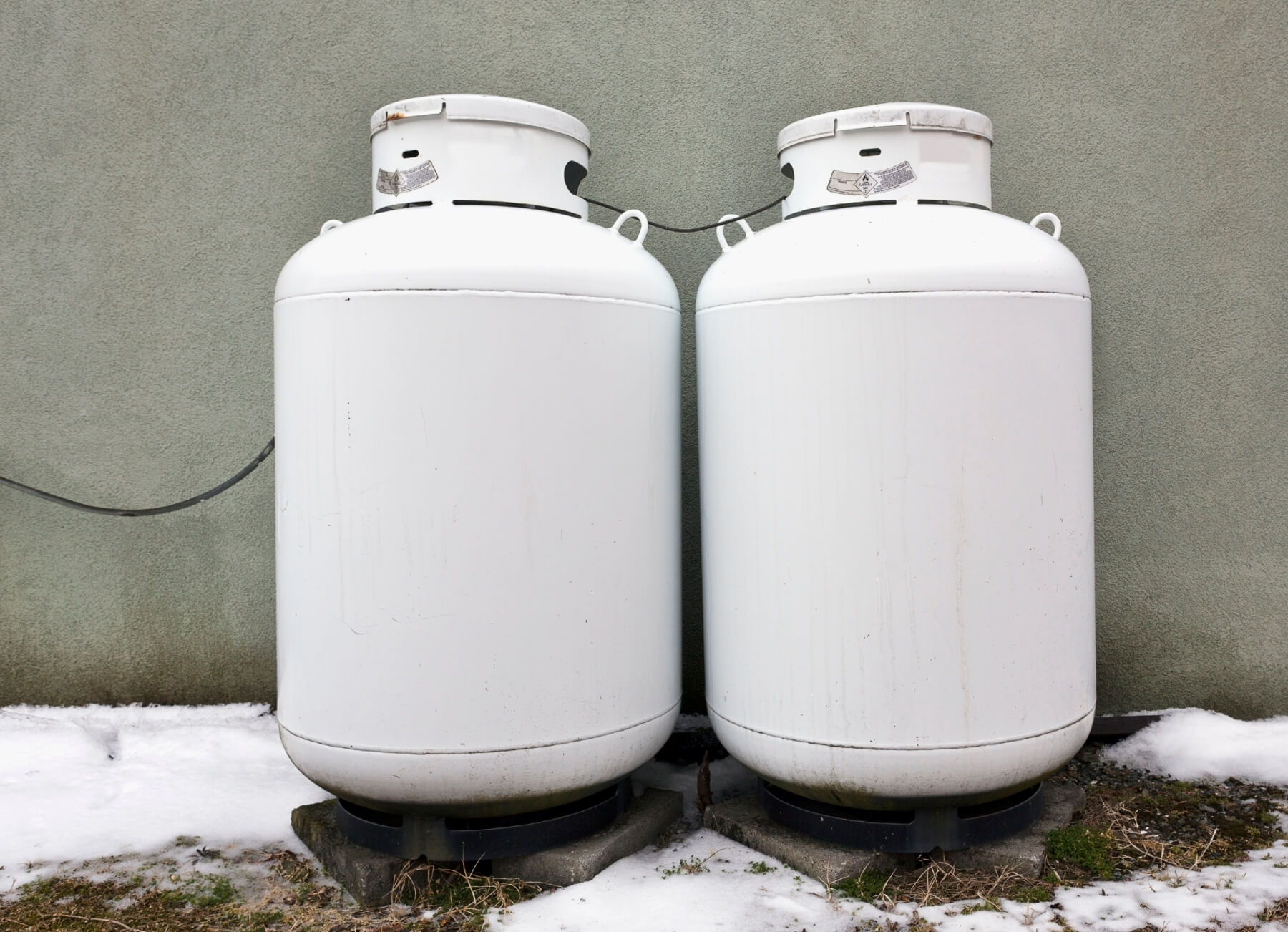 Two propane tanks for safe tank maintenance