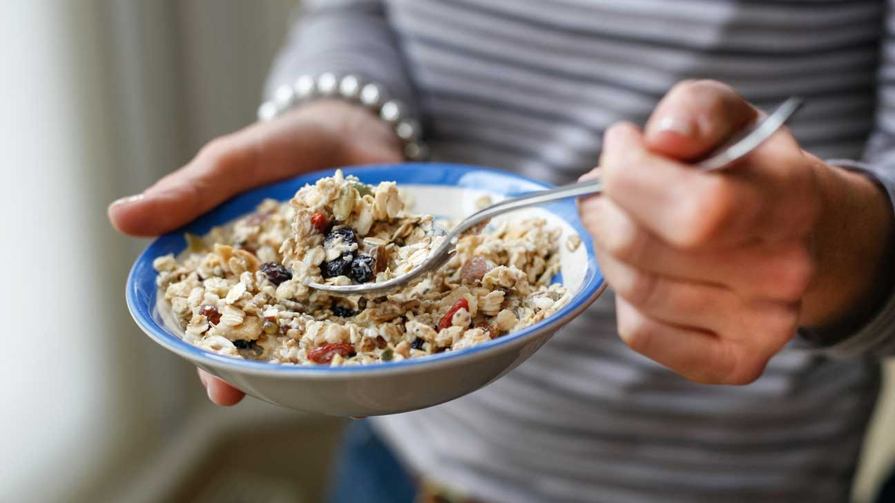 Start off your morning with a bowl of whole grain granola and oats with berries. All of the essential vitamins and minerals from the dairy, whole grain oats and berries will provide you with a burst of energy. Image courtesy of healthline.com.