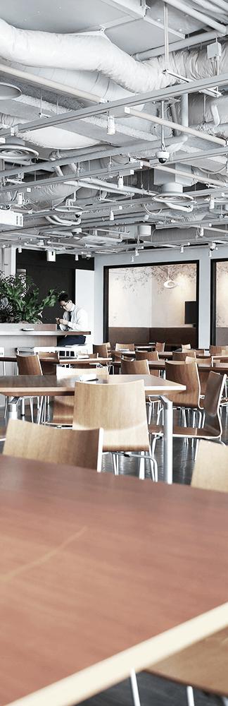 ディー・エヌ・エーの食堂風景