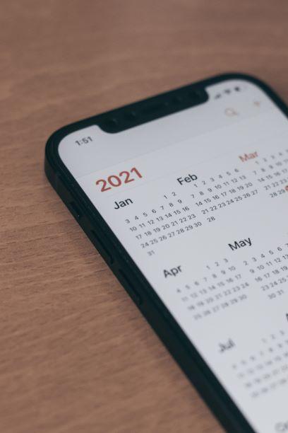 Phone with calendar