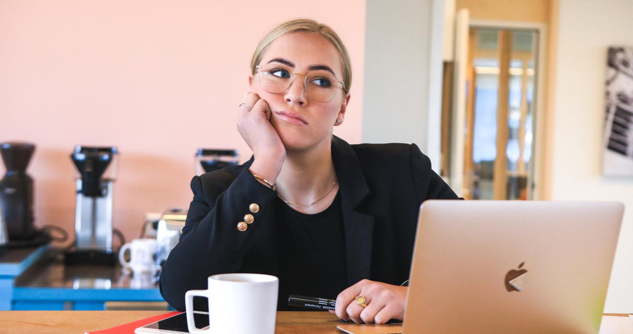 Comment lutter contre la procrastination au travail en refondant vos processus RH ?