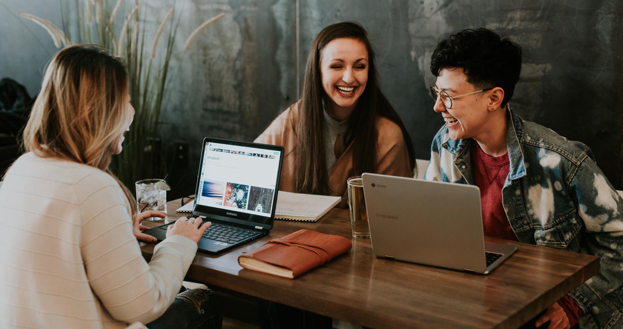Comment améliorer votre expérience collaborateur grâce à un outil de management de la performance et des talents ?