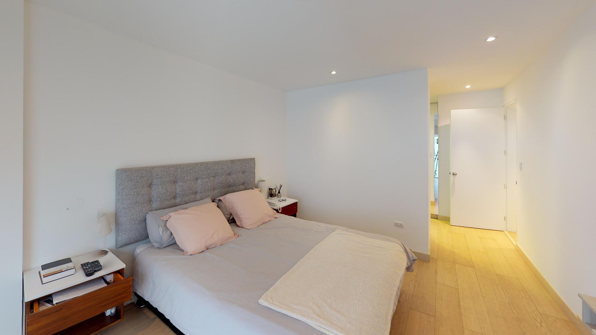 Habitación principal del recorrido virtual de un hermoso departamento en Sáenz Peña, Barranco, Lima, Perú