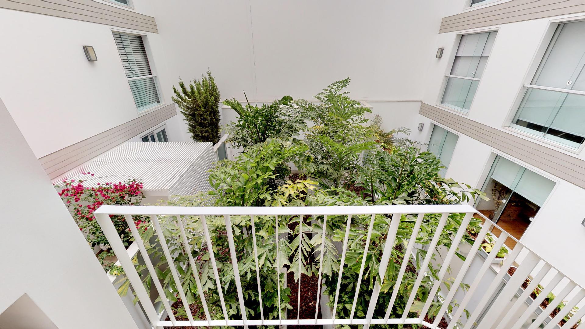 Balcón del recorrido virtual de un hermoso departamento en Sáenz Peña, Barranco, Lima, Perú