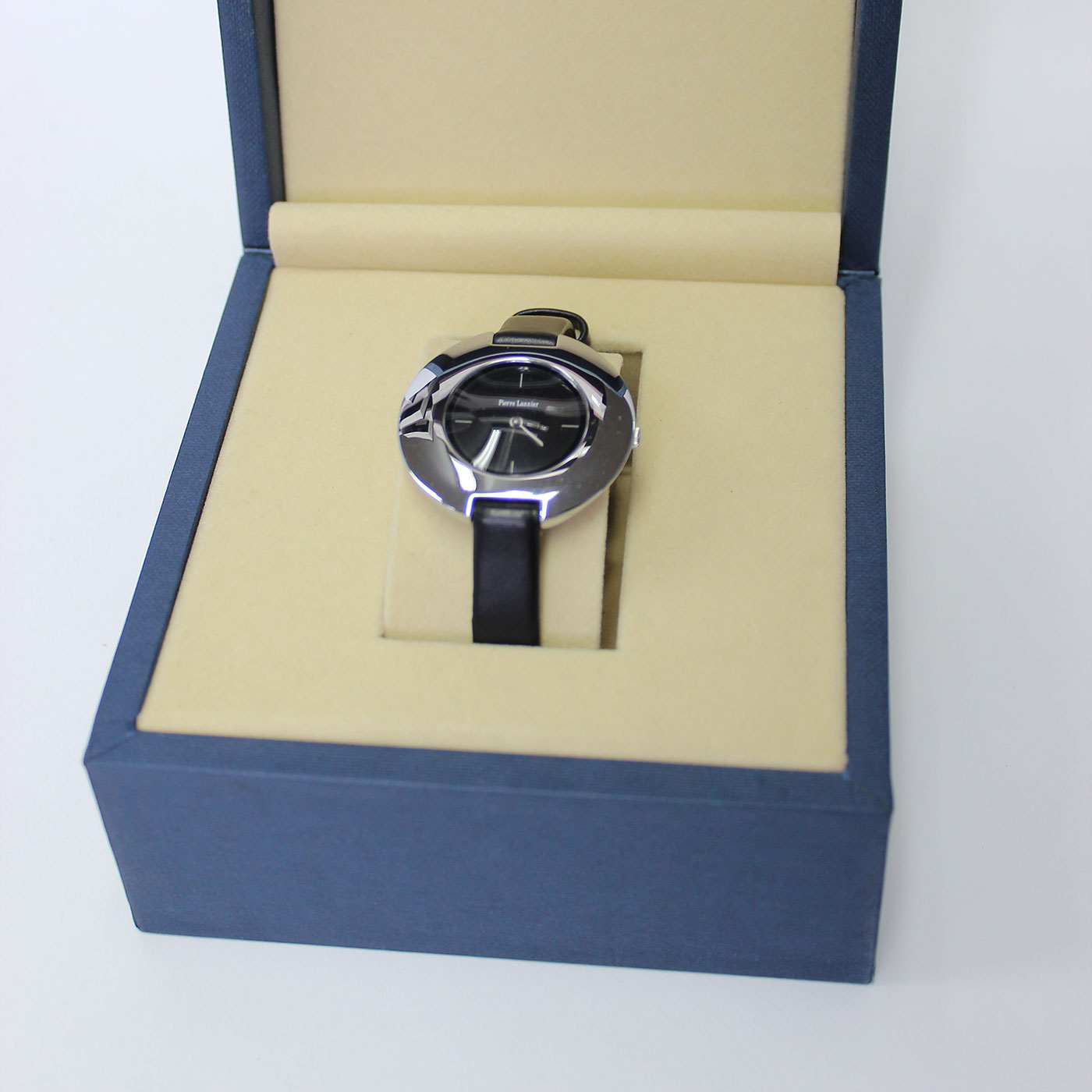 Коробка шкатулка для часов из МДФ