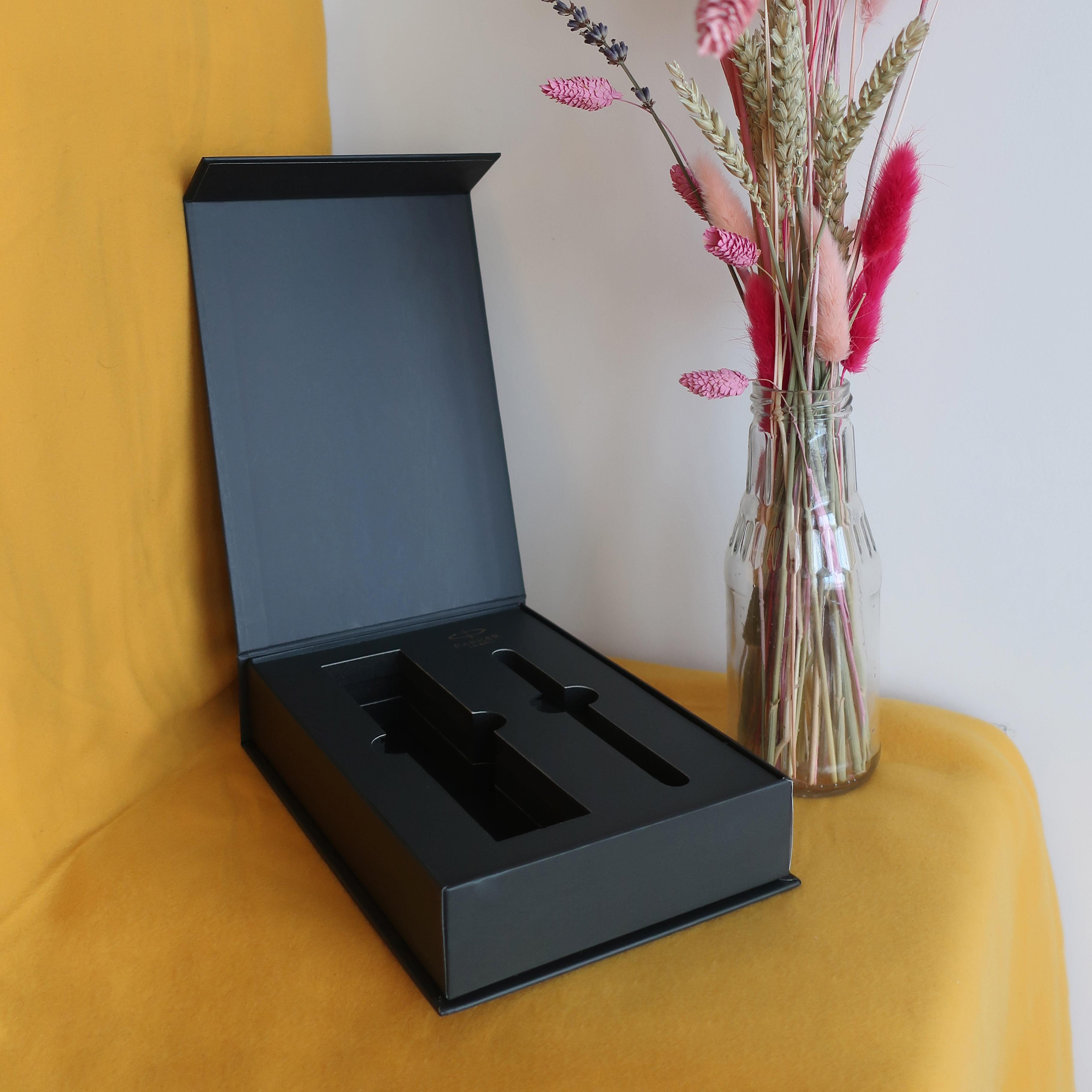 Образец коробочки с ложементом из картона