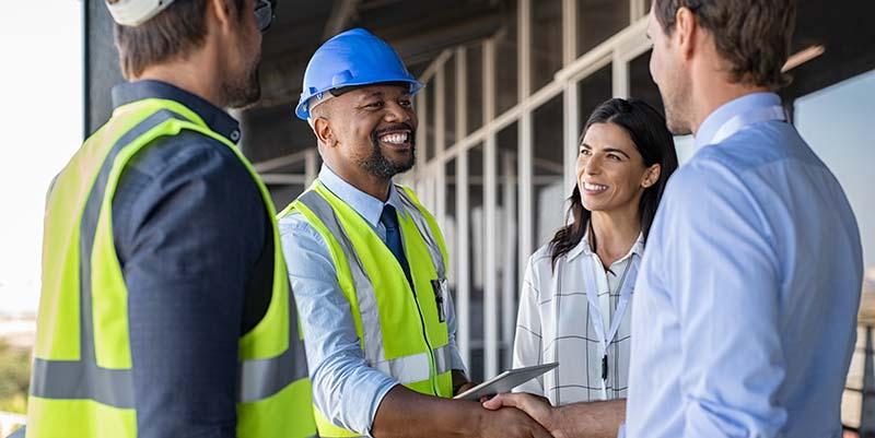 How Commercial Lighting Contractors Win Enterprise Customers