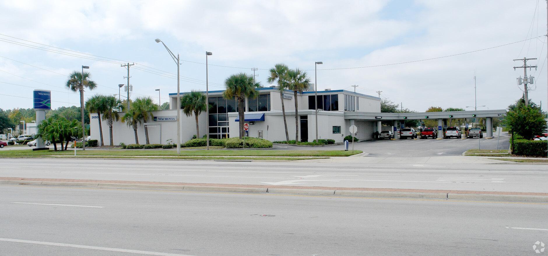 Wells Fargo Building For Sale in Jacksonville