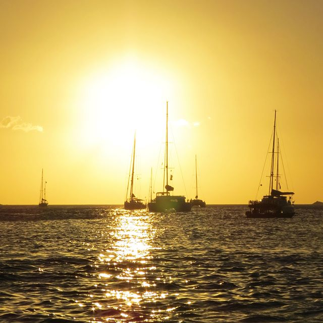 A beautiful Rodney Bay Sunset, after a great day out boating…  #sunset #sunsets #stluciasunset #rodneybay #saintlucia