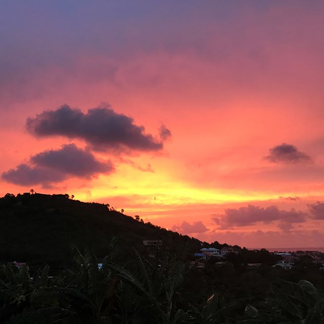 A local, countryside view of the sunsetting over Rodney Heights.  #sunset #sunsets #sunset_pics #sunset_lovers #blueocean #blueoceans #clearsky #clearskys #stlucia #saintlucia #caribbeansunset #rodneybay #rodneyheights