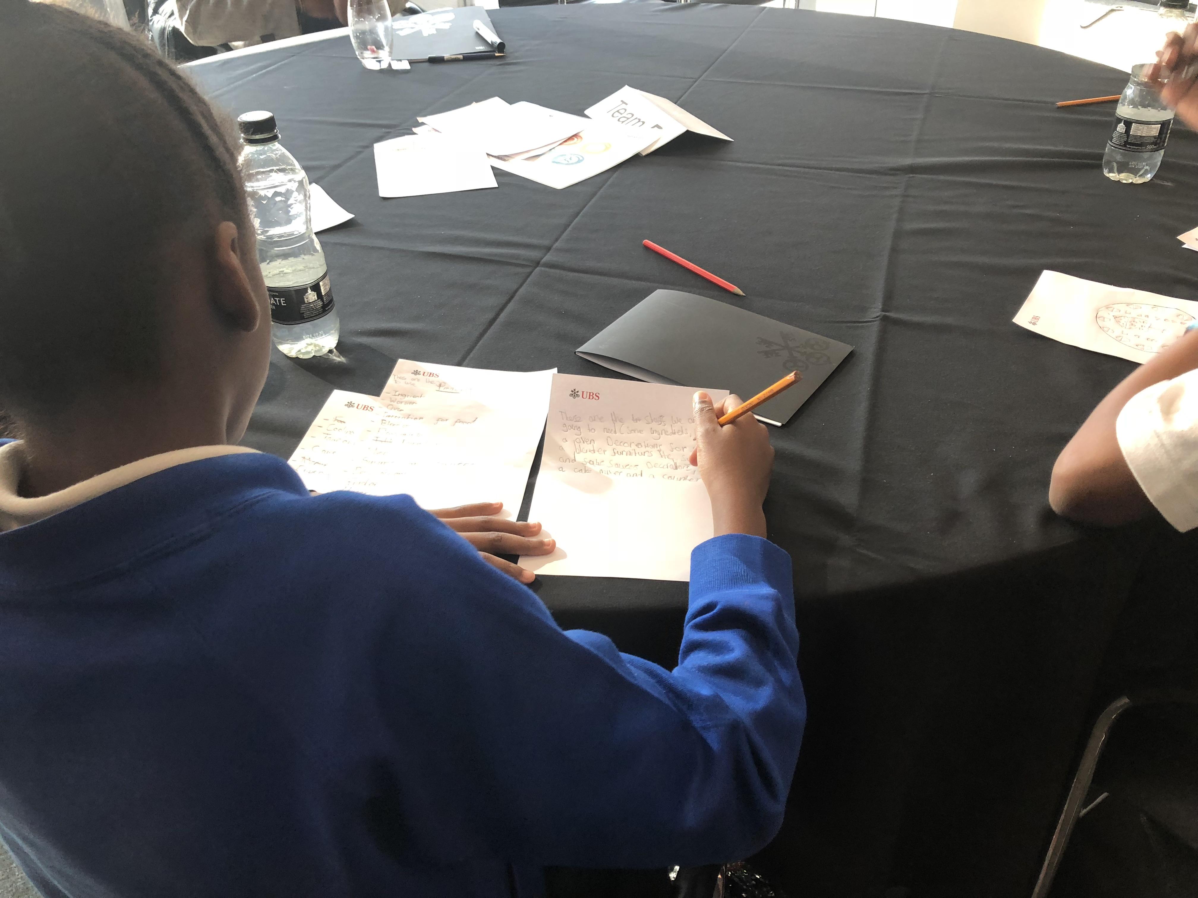 Student prepare presentation