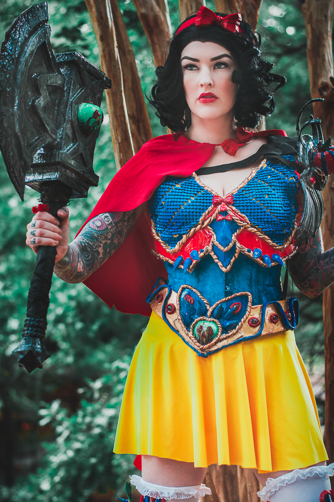 Badass Snow White Cosplay