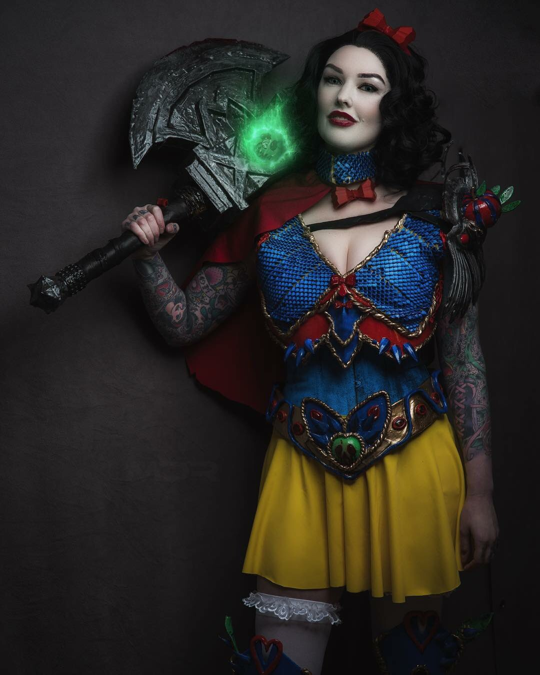 Disney Snow White Cosplay
