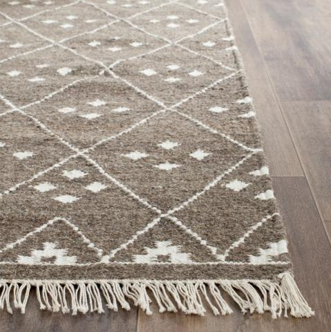 RUG OF THE MONTH: KILIM DHURRIE