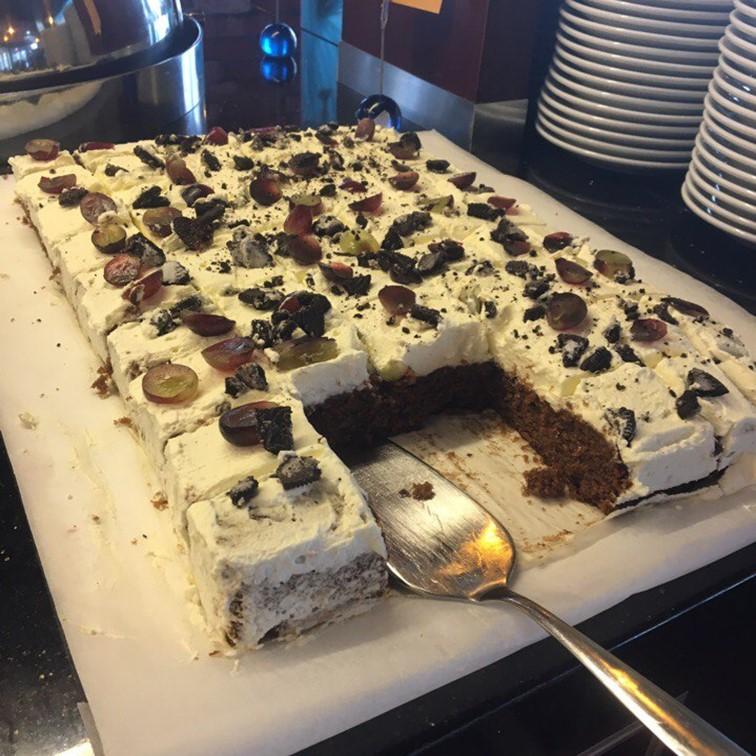 Kakku Buffapöydässä