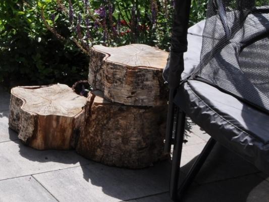 Trap van boomstammen