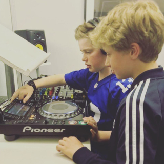 Childrens DJ Lessons in London