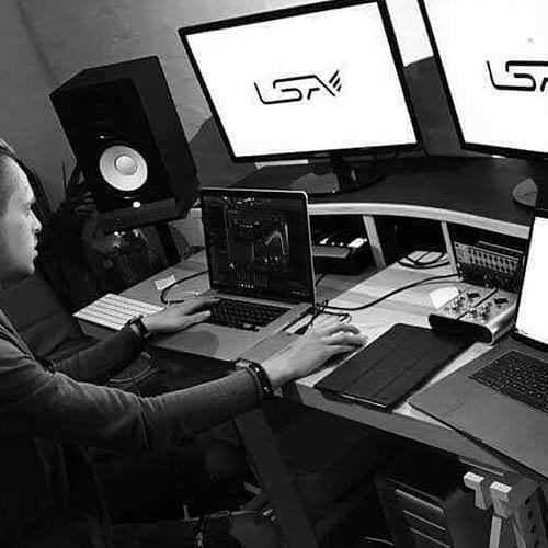 Learn how to write a DJ bio