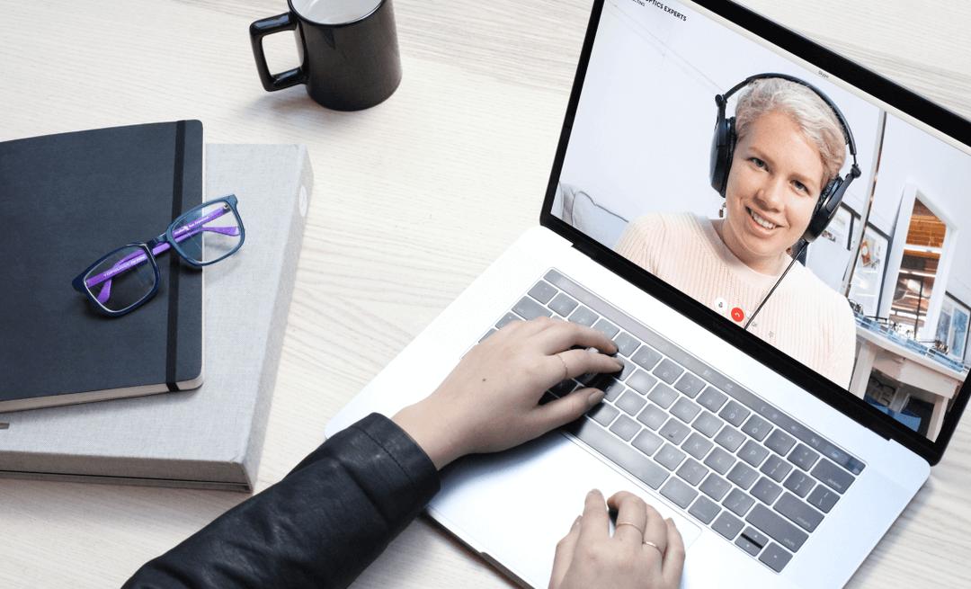Get real-time guidance from an eyewear expert