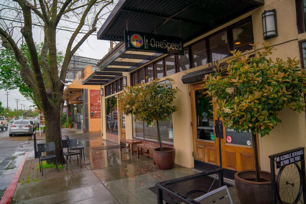 OneSpeed Pizza Exterior in Sacramento