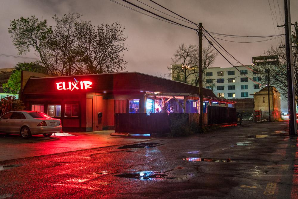 The outside of dive bar Elixir in Midtown Sacramento for Visit Sacramento.