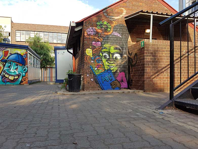 How street art inspires children at the Inner City Kids Primary School, with Artists4Israel.