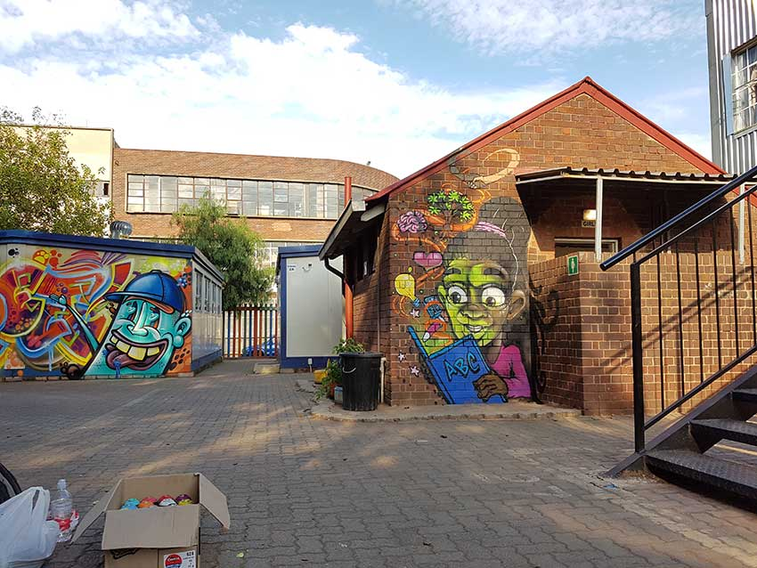 wall art murals at inner city kids primary school unity murals artist4israel