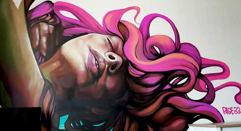 Page33 Street Art muur schilderij kunstenaar painting in Teleport Hotel Amsterdam