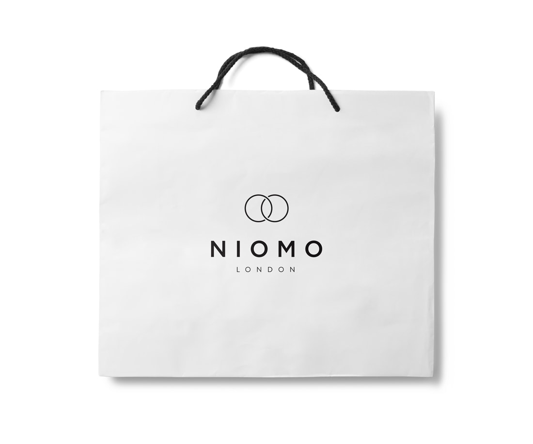 Niomo: branded shopping bag