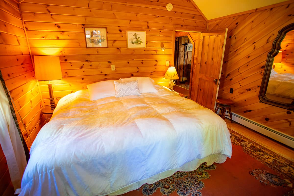 Sundown Chalet master bedroom