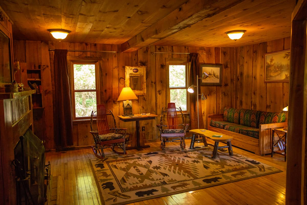 Woodsmoke Suite with full kitchen, lake view, and wood burning fireplace