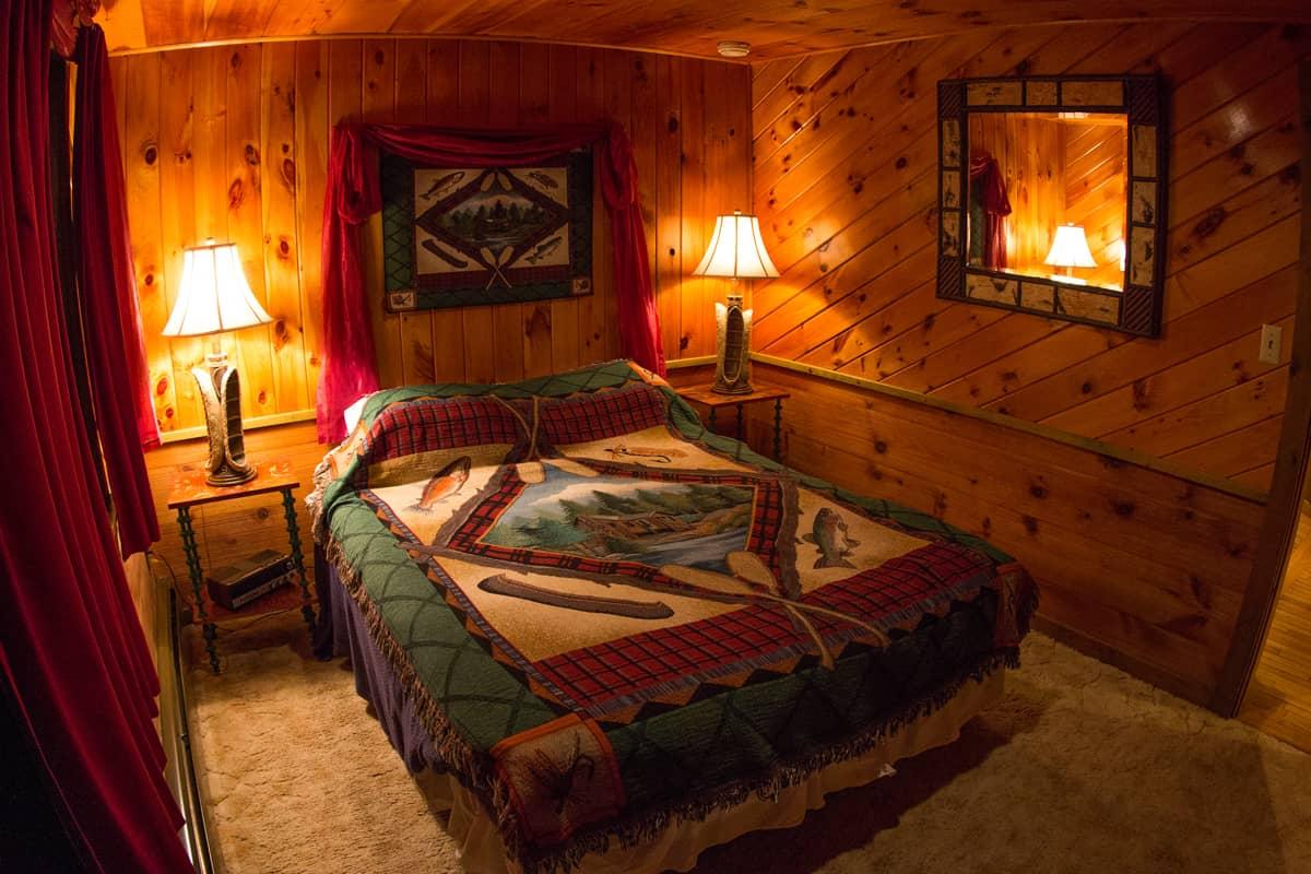 Woodsmoke Suite master bedroom
