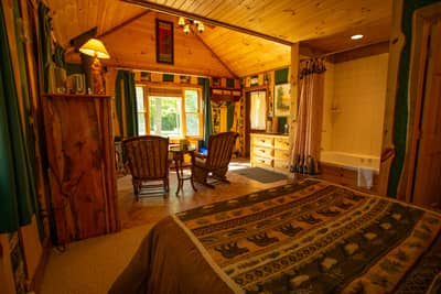 Guides Cabin Interior with Jacuzzi and Fireplace
