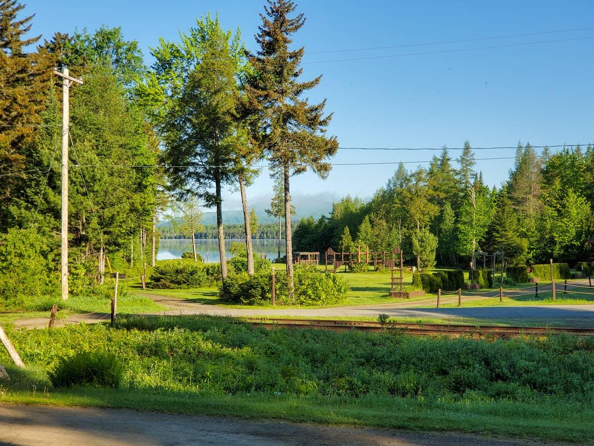 3-Acre Lake Lawn and Private Beach