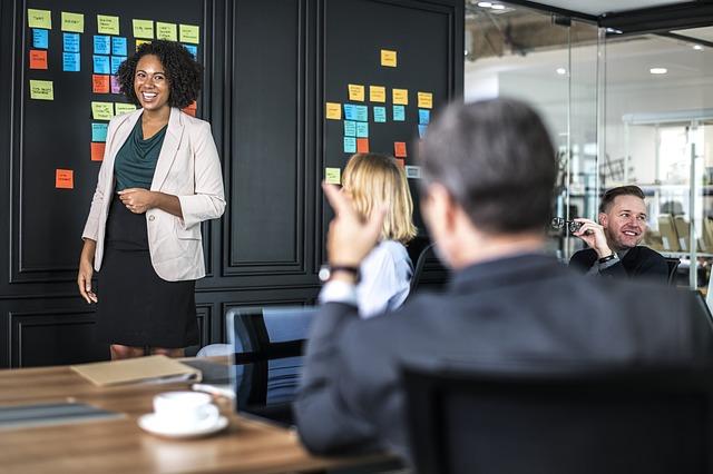 people in a meeting developing buyer personas