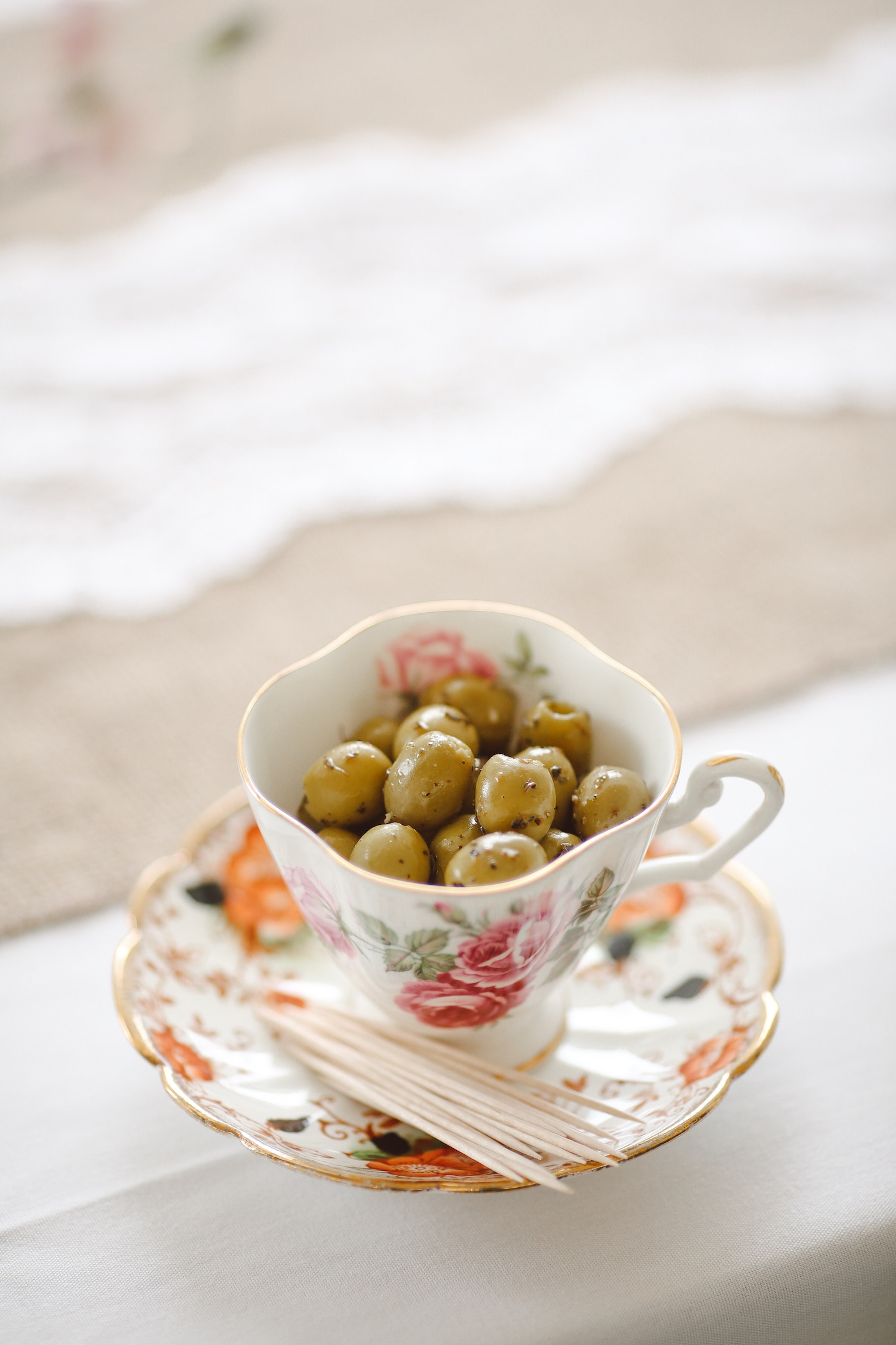 Nuts Olives Low Carb Ketogenic lifestyle nibbles