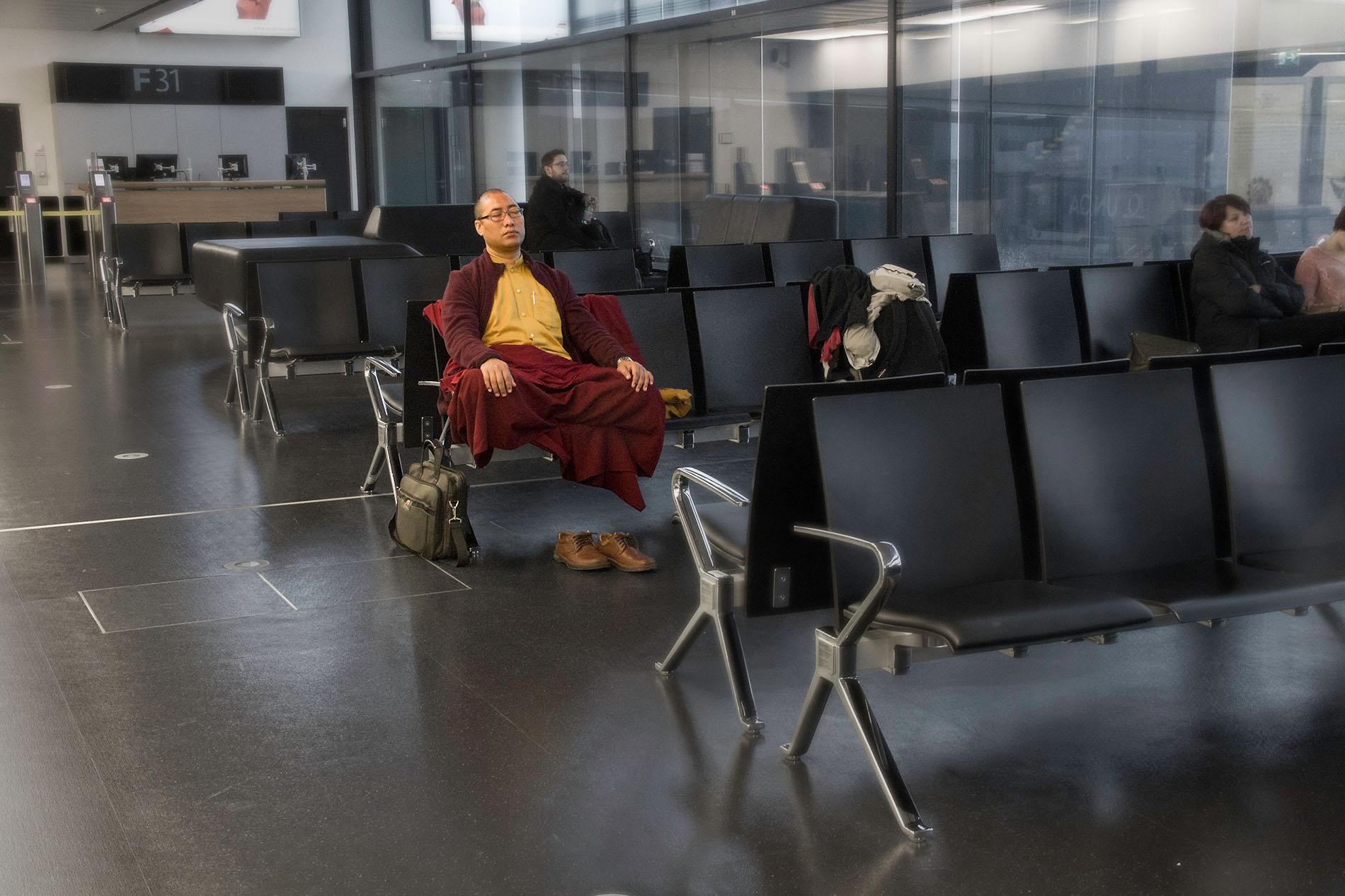 Meditation am Flughafen