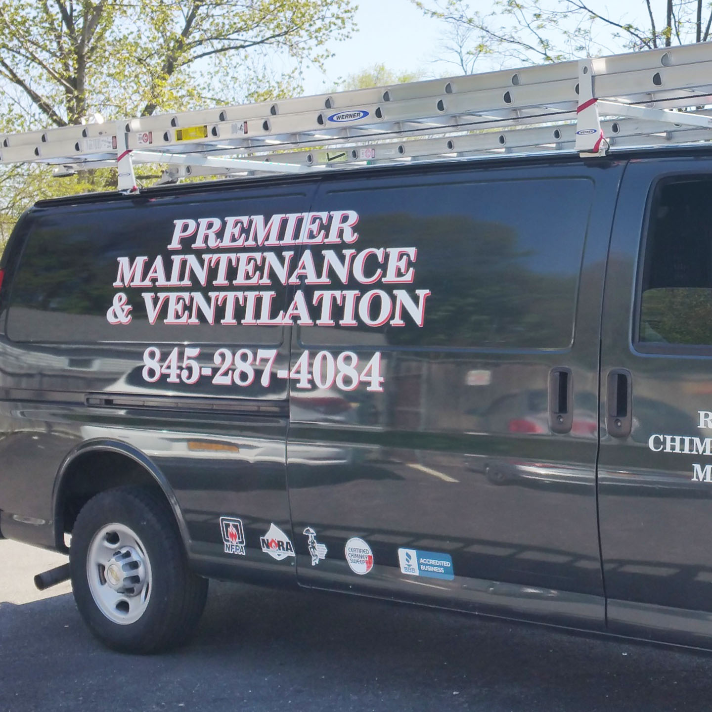 Custom Graphics_Truck Lettering