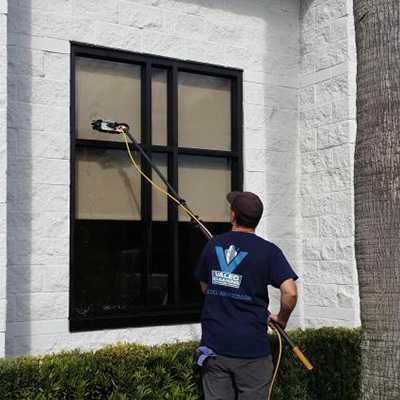 Valeo Cleaning Company - Residential & Window Cleaning in Orlando
