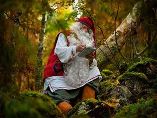 Santa is also working in Summer