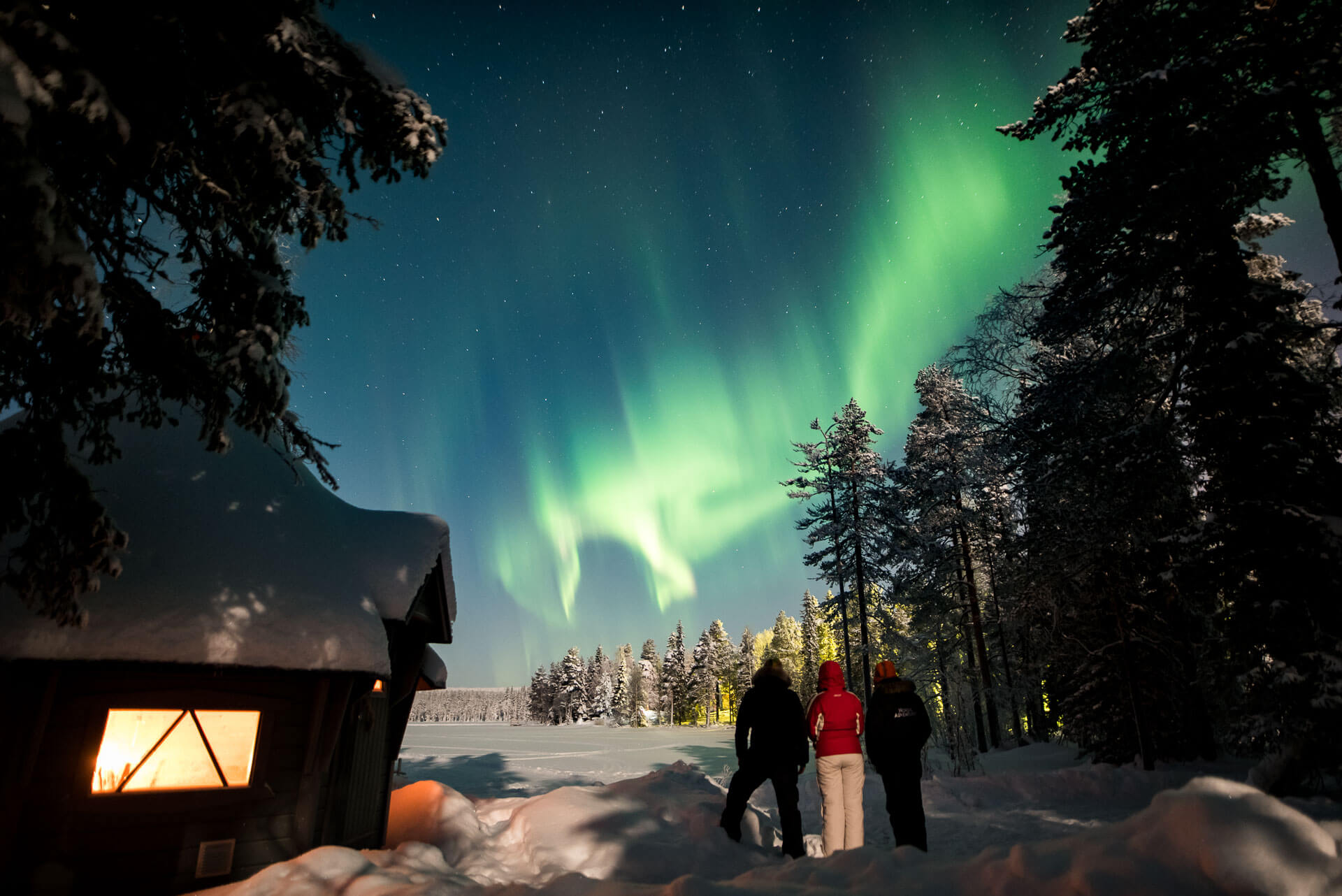 Aurora Hunting tour on a private lake