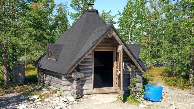Lappish BBQ hut at Kätkävaara