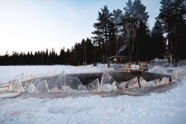 Frozen lake, are you ready for extreme temperatures?