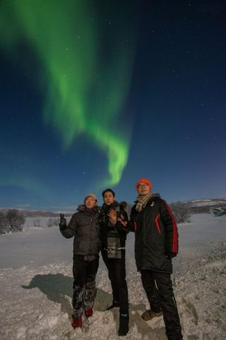 Our guide will use all knowledge and skills he has gained over the years of guiding to make sure you see the Aurora.