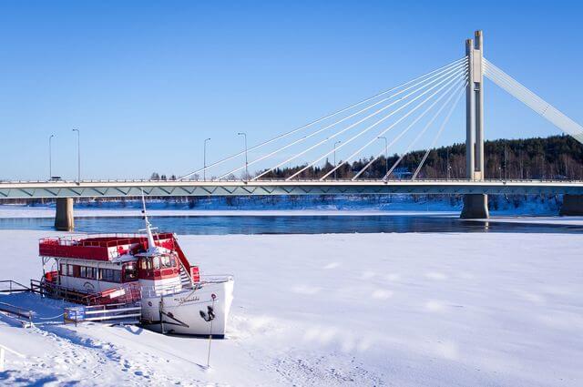 The Jätkänkynttilä Bridge in Rovaniemi