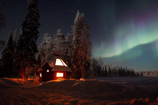 Aurora Hunting by Private lake, in a Lappish Wooden Hut, 4 hours